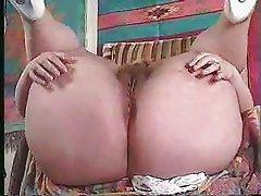 BBW closeup ass spreading