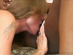 Lesbian Confessions pussy licking