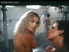 Edy Williams, Linda Blair, Marcia Karr, Sharon Hughes & Sybil Danning Bathing Togehter