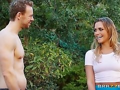 Sexy girl with a nice ass gets fucked outdoors after a yoga class