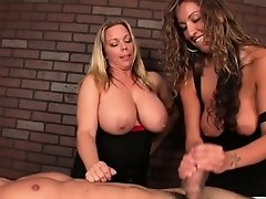 Massage loving babes ruin clients orgasm