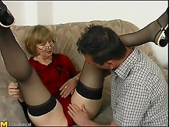 Hannie quickly spreads her legs in order to get drilled once again