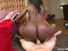 Huge sexy black ass in fuck video