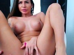 Cute Big Boobs Shaved Camwhore Masturbation Teasing Solo