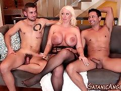 Bisex trios behind scenes