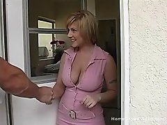 Busty blonde that was attracted to Reno the moment she first laid eyes on him.