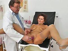 Amelie Examination Video/Amelie. Part 2