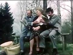 Sexkom lustiger deutscher Jahrgang im Wald