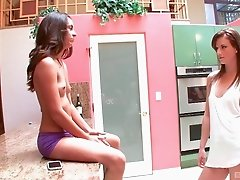 Delilah Davis and Sami St. Clair want to enjoy each other's cunts
