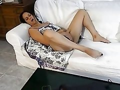 masturbating watching gg porn