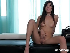 Olivia (NVG)