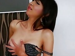 Ladyboy Sugar spices up in masturbation