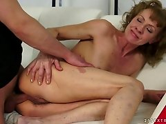 Vixenish granny likes to get her anal licked then spooked by her trainer