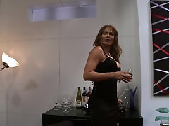 Mature Monique Fuentes craving for hard and long dick in her pussy